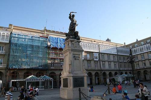 Maria Pita monument