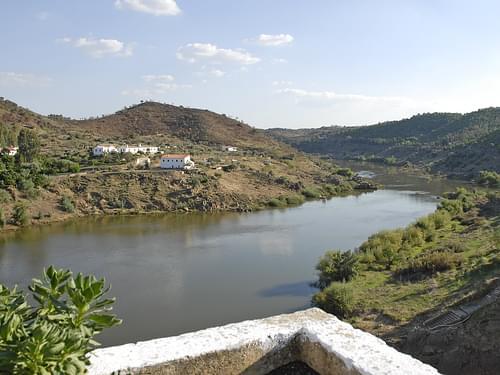 Le fleuve Guadiana à Mértola (Portugal)