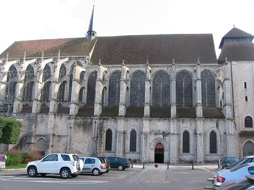 Side view of church St-Peter in Chartres