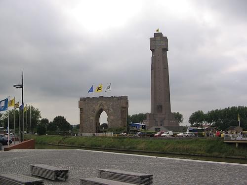 IJzertoren a'r Pax-poort, Diksmuide