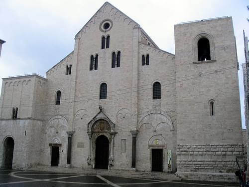 Basilica di San Nicola, Bari: facade