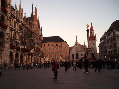 284 Marienplatz is a central square in the city centre of Munich