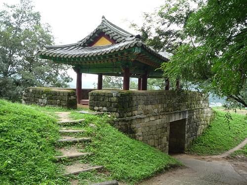 Gongsanseong Burg - Einer der Eingänge