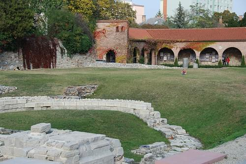 Székesfehérvar.Le jardin de ruines.