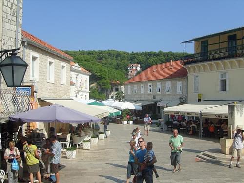 Markt Jelsa