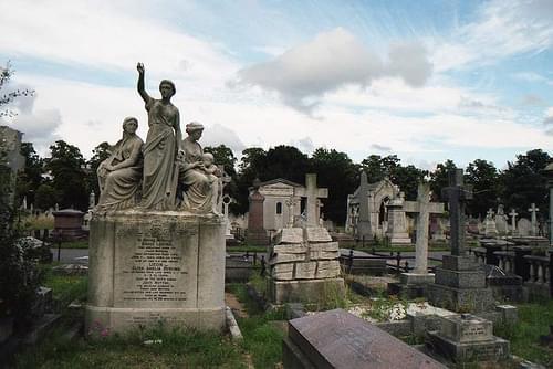 Brompton Cemetery, London (1999)
