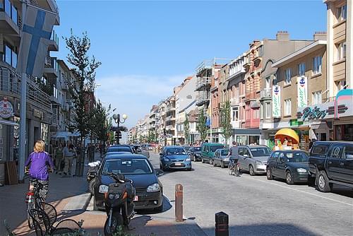 Rue principale de Nieuwpoort Bad