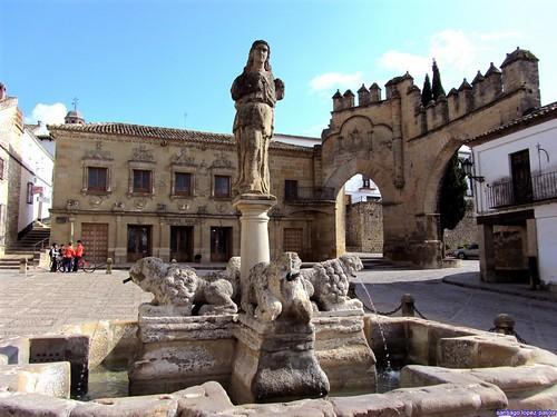 Plaza del Pópulo (Baeza, Jaén)