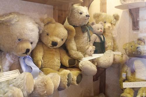 Dorchester Teddy Bear Museum teddies