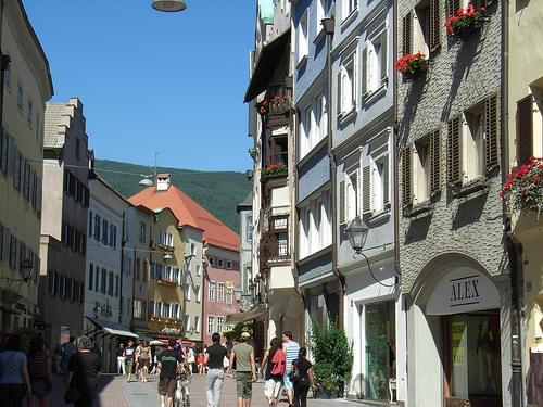 - Bruneck