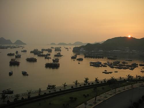 Cat Ba Island 04 - Sunset seen from my room
