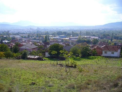 Поглед на Глишиќ и Кавадарци од лозарското брдо