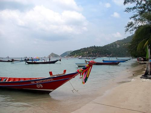 Sairee Beach boats