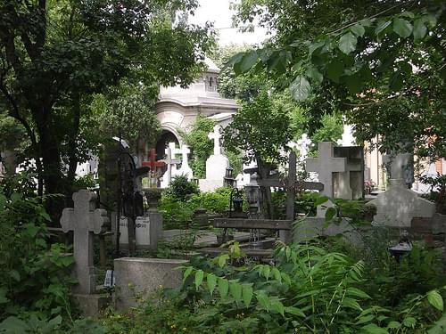 Bellu Cemetery - World Heritage Mess - Romanian-style