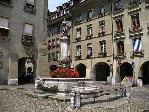 IMG_4397 - Bern - Mosesbrunnen am Münsterplatz