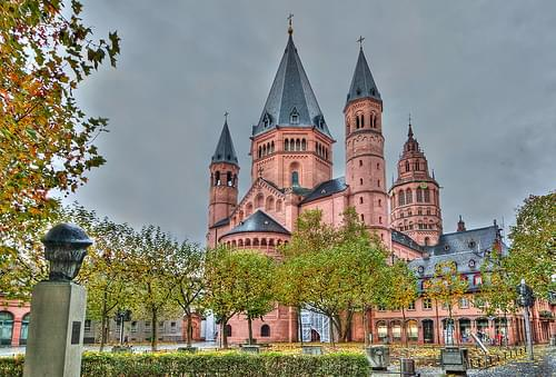 Gutenberg Looking at Mainz Cathedral