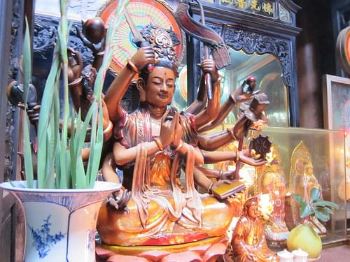 Jade Emperor Pagoda (Chua Ngoc Hong or the Phuoc Hai Tu )
