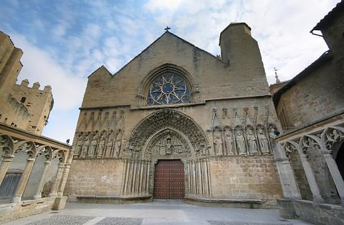 Medievel church and Castle, Olite, Navarra, Spain