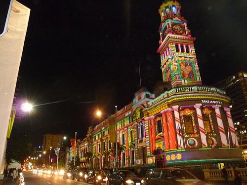 Auckland Town Hall lit up at night.