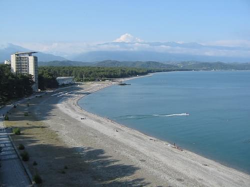 Pitsunda shore (2004-07-148)