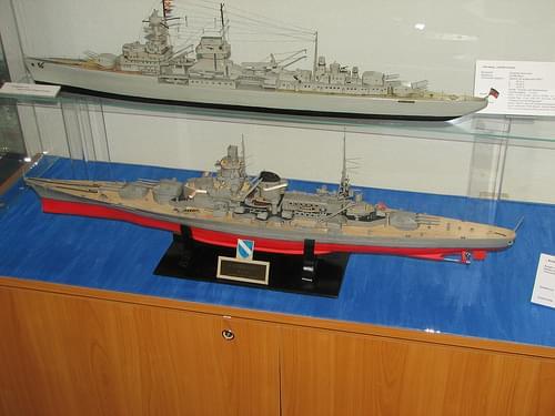 Leichter Kreuzer Nürnberg und Schlachtkreuzer Scharnhorst (1:250)