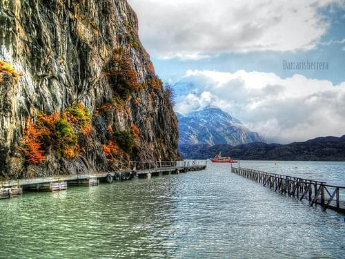 HDR Lago Grey . Torres del paine