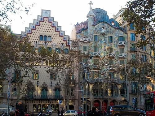 3 - Passeig de Gracia 2 Houses