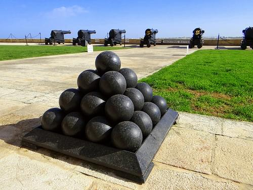 Cannon balls Saluting battery - Malta