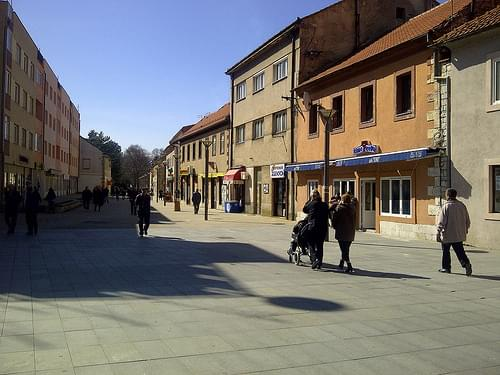 Historic Center, Lom