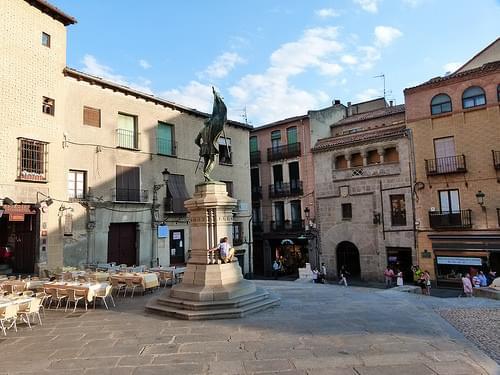 Monumento a Juan Bravo en la Plaza de Medina del Campo - Segovia