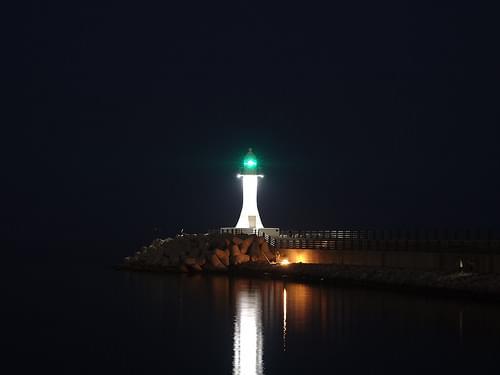 a white lighthouse #lighthouse #night #RX100M2 #Sokcho #등대 #밤 #속초