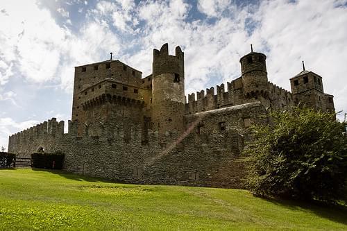 Castle Fenis