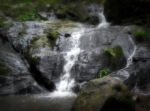 Bayangbayang Falls