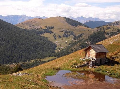 A sheperd's hut below the Sommet du Countent, France