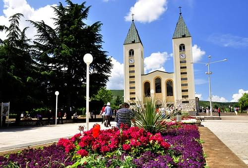 Saint James Church (St. Jakov) Medjugorje - Hotel Pansion Porta - Bosnia Herzegovina - Creative Commons by gnuckx