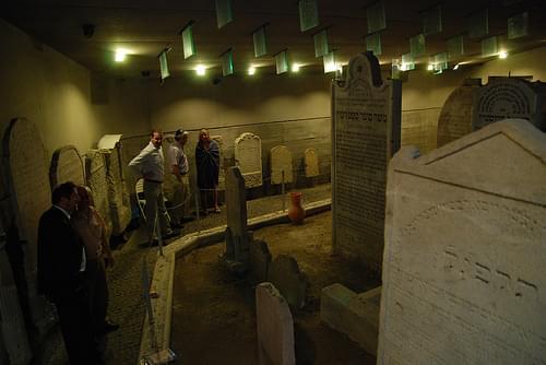 Prehliadka pamätníka Chatama Sofera