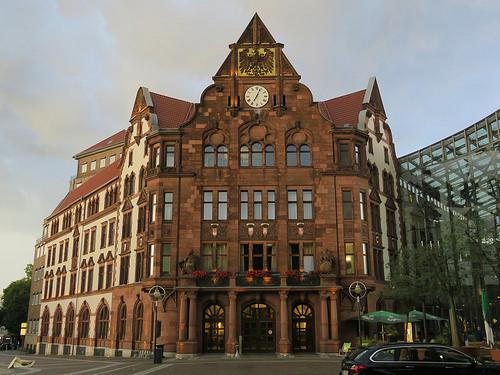 Altes Stadthaus am Friedensplatz in Dortmund