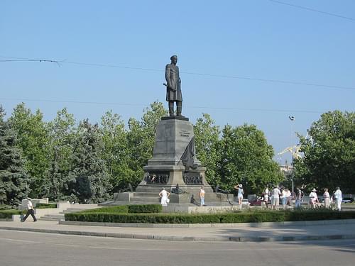 Nakhimov square (2005-08-066)