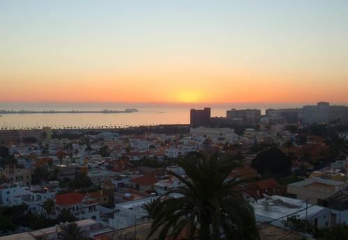 Amanecer desde el Mirador del paseo de La Cornisa.Las Palmas de Gran Canaria