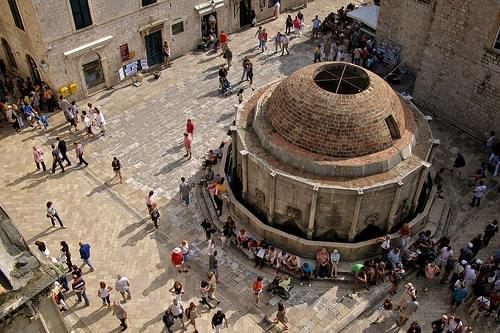 Velika Onofrijeva fontana (Onofrio's Big Fountain)