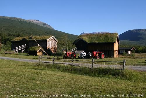 Le Jour ni l'Heure 0082 : En Norwège — Bardu Bygdetun, ancienne ferme du comté de Troms, entre Tromsø et Narvick, mercredi 18 août 2010, 17:25:03