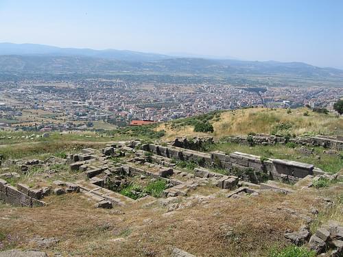 Pergame - Herôon et vue sur Bergama