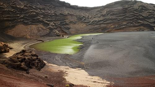 El Golfo green lake