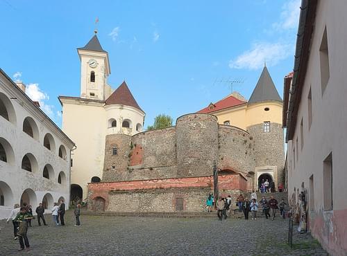 Двор замка Паланок / Courtyard of the castle Palanok