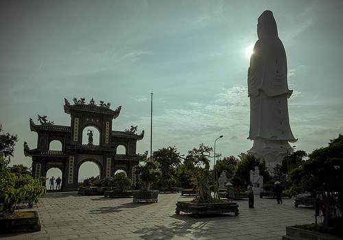 Chùa Linh Ứng Lady Buddha