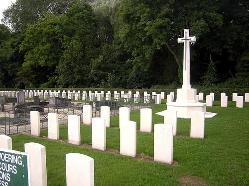 De Panne Communal Cemetery, De Panne