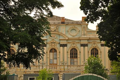 back of Mariinsky Palace seen from Mariinsky Park