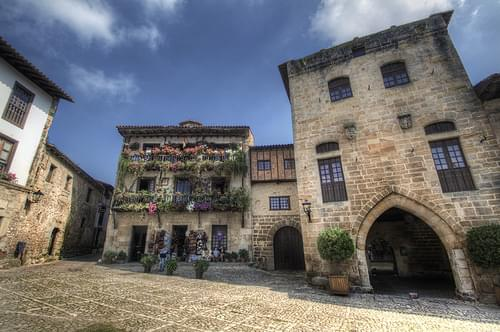 Facades. Santillana del Mar, Cantabria. Fachadas