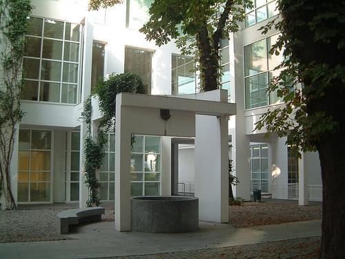 DSCF0002 - Richard Meier - Frankfurt Museum of Applied Art.JPG