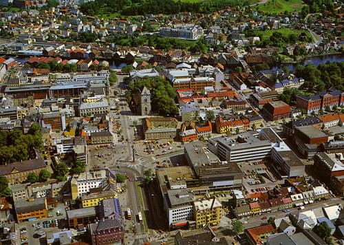 Trondheim sentrum - Flyfoto (ca. 1982)